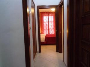 Casa Luigi Sergio, Appartamenti  Santo Stefano di Camastra - big - 3
