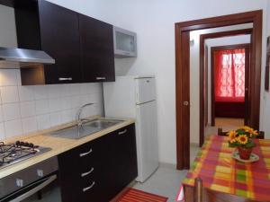 Casa Luigi Sergio, Appartamenti  Santo Stefano di Camastra - big - 4