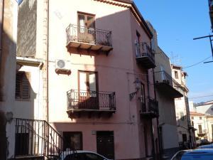 Casa Luigi Sergio, Appartamenti  Santo Stefano di Camastra - big - 6