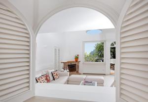 Villa Mariuccia Capri, Apartmanok  Capri - big - 5