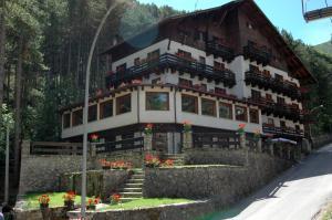 Hotel Garnì Mille Pini - AbcAlberghi.com