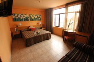 Hotel El Águila, Hotel  Utebo - big - 11