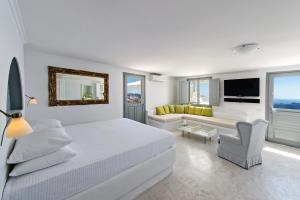 Lava Suites & Lounge (Fira)