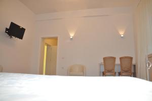 Grand White City Hotel, Отели  Берат - big - 3