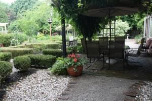 Schoolmaster's House Bed & Breakfast, Bed and Breakfasts  Niagara on the Lake - big - 42
