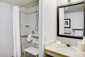 Double Room with Two Double Beds Accessible with Bathtub-Non-Smoking