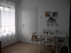 House Klanfari, Ferienwohnungen  Dramalj - big - 12