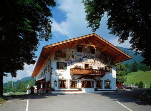 Zum Schweizerbartl, Hotely  Garmisch-Partenkirchen - big - 1