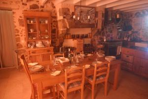 Chez Jasmin, Bed & Breakfasts  La Chapelle-Saint-Laurent - big - 15
