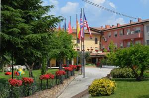 Hotel Olioso, Hotel  Peschiera del Garda - big - 1