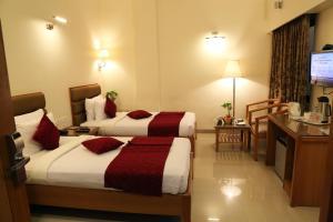 Hotel Western Gatz, Hotel  Theni - big - 4