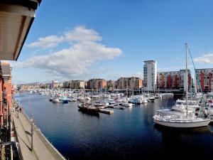Marina Apartment, Apartmány  Swansea - big - 2