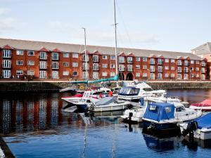Marina Apartment, Apartmány  Swansea - big - 6