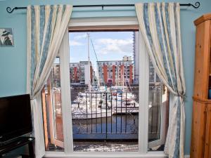 Marina Apartment, Apartmány  Swansea - big - 8