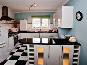 Marina Apartment, Apartmány  Swansea - big - 10