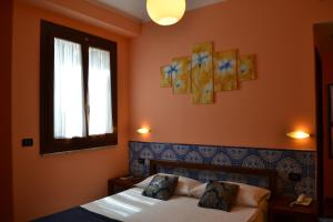 Petit Hotel, Hotel  Milazzo - big - 2