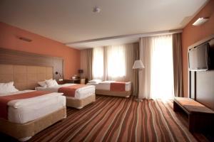 Hotel Makar Sport & Wellness, Отели  Печ - big - 7