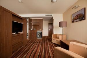 Hotel Makar Sport & Wellness, Отели  Печ - big - 6