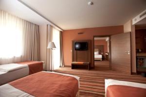 Hotel Makar Sport & Wellness, Отели  Печ - big - 8