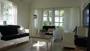 B&B Droom 44, Bed & Breakfasts  Buinerveen - big - 3