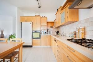 Kfar Saba View Apartment, Apartmány  Kefar Sava - big - 22