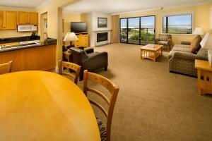 Studio Suite with Ocean View