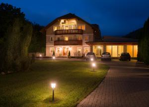 Hotel Honti, Hotels  Visegrád - big - 32