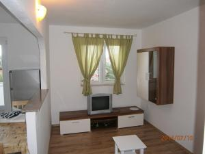 Apartments Eva i Toma, Ferienwohnungen  Povljana - big - 21