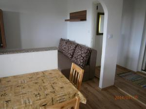 Apartments Eva i Toma, Ferienwohnungen  Povljana - big - 7