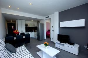 InmoSantos Apartaments Nuria, Apartmány  Roses - big - 8