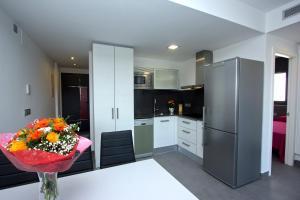 InmoSantos Apartaments Nuria, Apartmány  Roses - big - 4