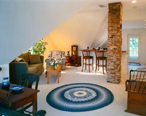 One Bedroom Apartment - Winstead Inn