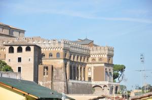 Le Suite Di Via Ottaviano - Suite in Rome B&B