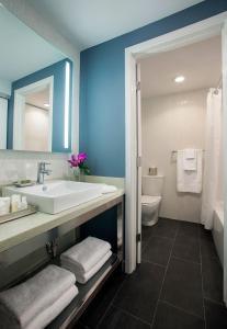 B Resort and Spa Located in Disney Springs Resort Area, Resorts  Orlando - big - 11