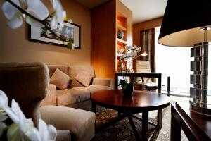 Family Suite (5 Adults)