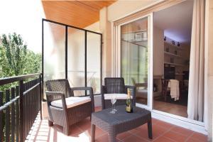 Three-Bedroom Apartment - Luxury Mistral