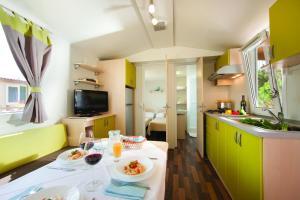 Premium Sirena Village Holiday Homes, Üdülőközpontok  Novigrad (Isztria) - big - 17