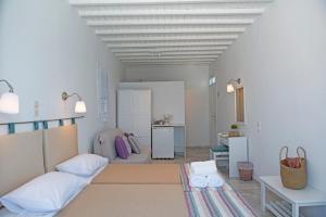 Asimina, Guest houses  Tourlos - big - 49