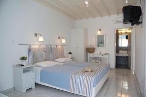 Asimina, Guest houses  Tourlos - big - 36