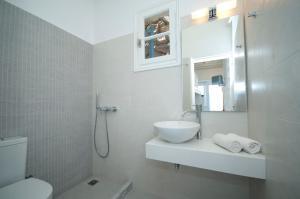 Asimina, Guest houses  Tourlos - big - 45