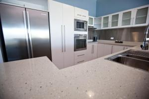 Mariners North Holiday Apartments, Residence  Townsville - big - 181