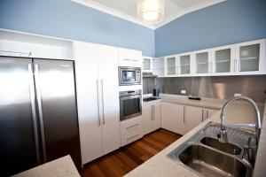 Mariners North Holiday Apartments, Residence  Townsville - big - 182