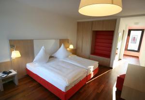 Hotel Ullrich, Hotely  Elfershausen - big - 15