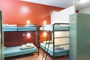 Enkeltseng i sovesal med 6 senger – begge kjønn