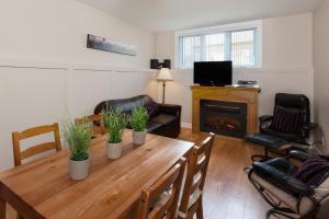 One-Bedroom Apartment - Basement/Pavilion
