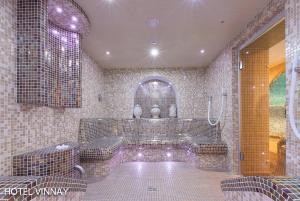 Wellness Hotel Vinnay, Отели  Vinné - big - 46