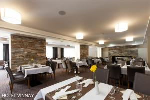 Wellness Hotel Vinnay, Отели  Vinné - big - 45