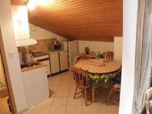Apartments Gloria, Apartmány  Crikvenica - big - 32