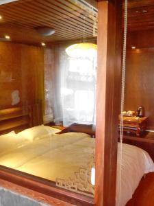 Lijiang Yu Shu Tang Inn, Affittacamere  Lijiang - big - 12