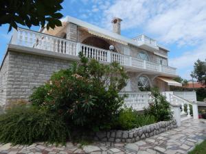 Villa Roth